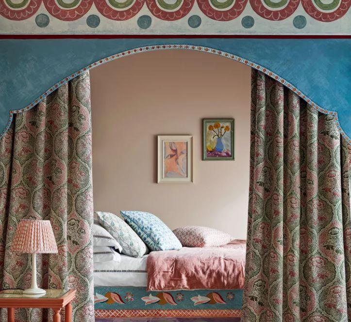 maximalist interior design and decorating